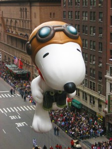 Macy's Thanksgiving Parade in New York - Snoopy Balloon