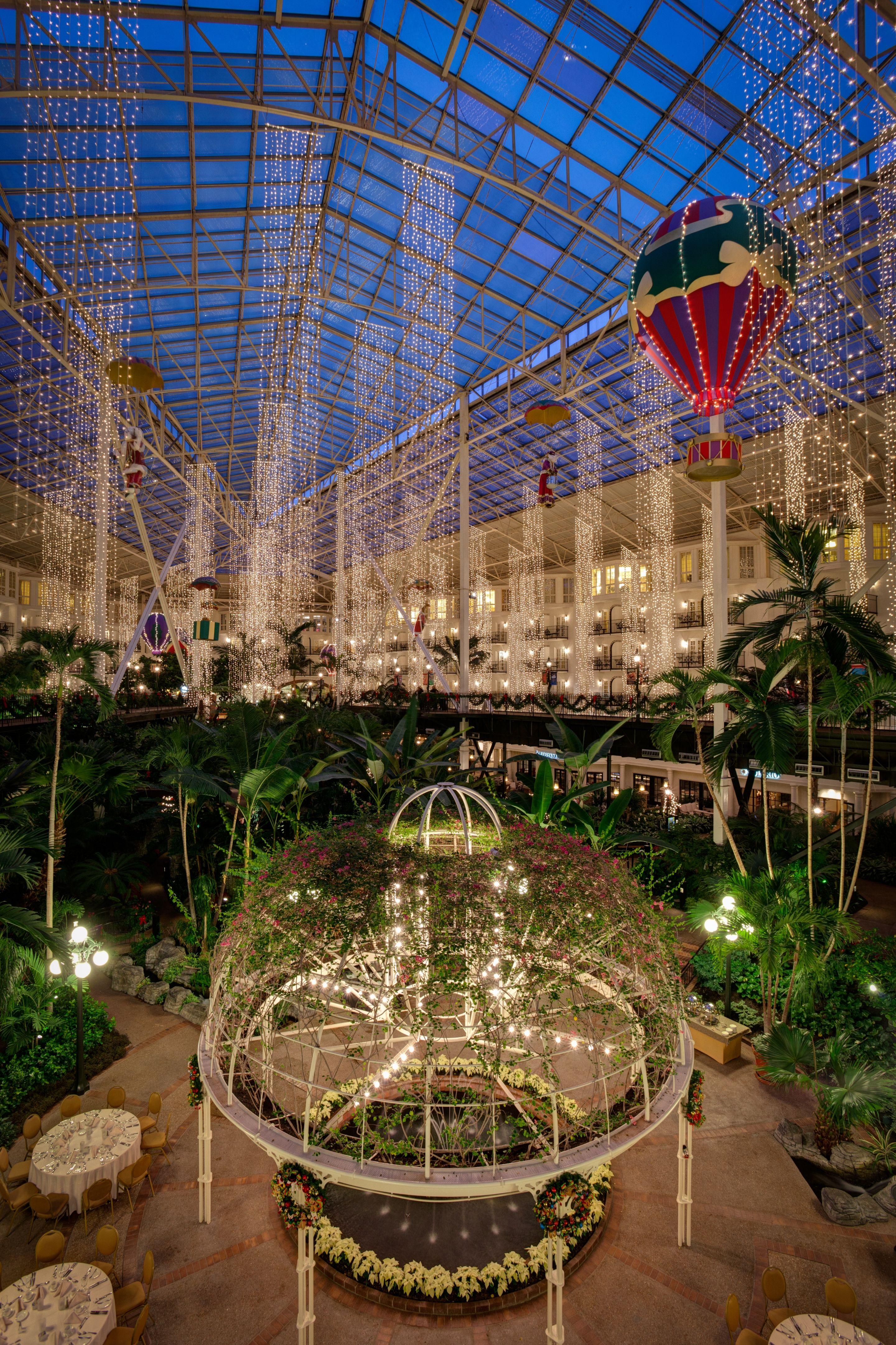 Opryland Garden Conservatory Atrium - credit Gaylord Opryland Resort